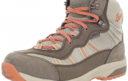 Danner Women's St Helens 4.5-Inch Hiking Boots Review